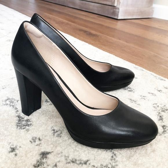 CLARKS Womens Kendra Sienna Leather Closed Toe Platform Pumps